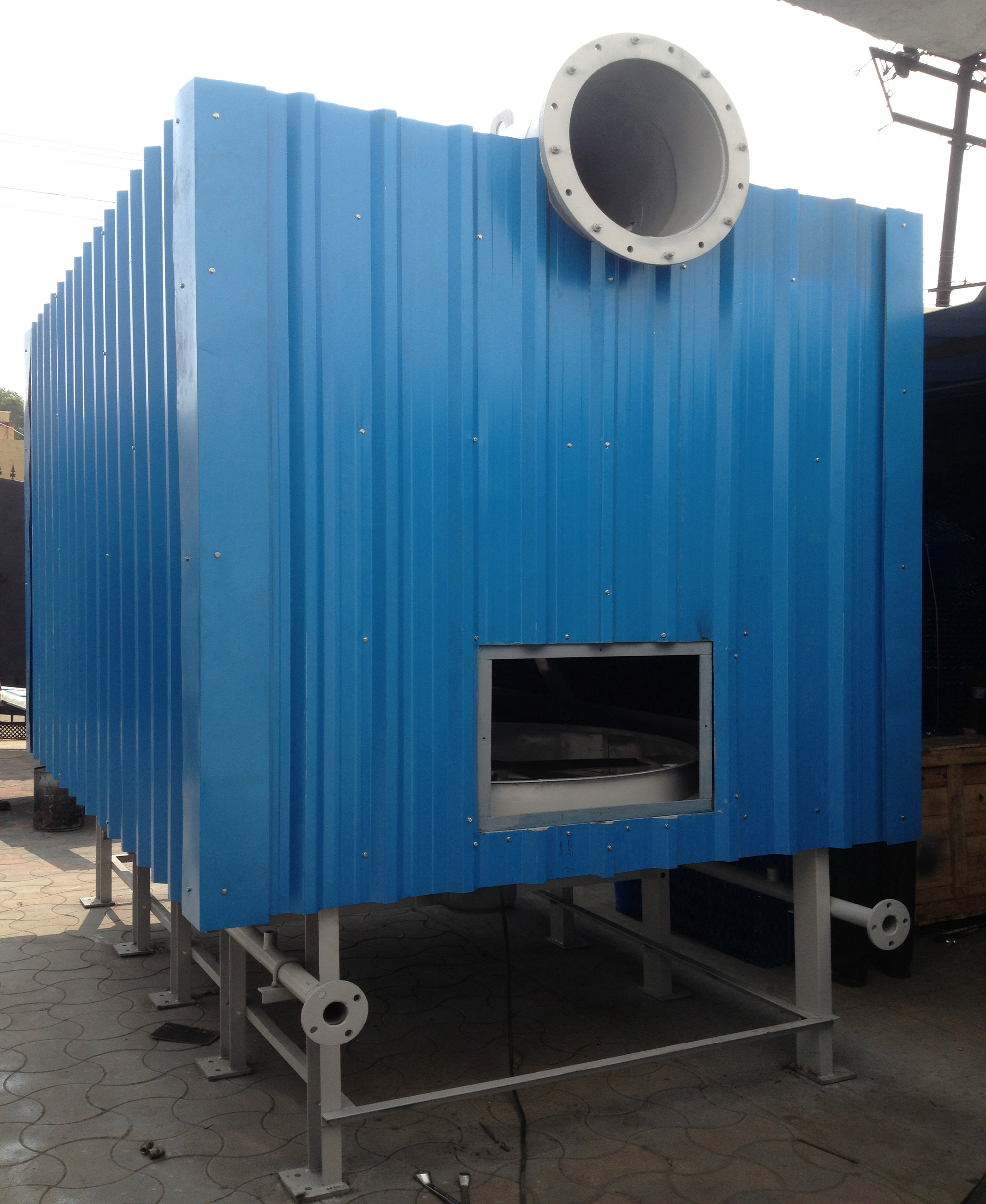 Adiabatic air cooled heat exchangers